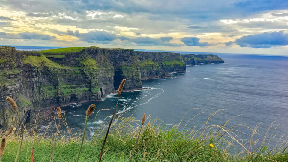 CommUNITY Collaborative: Armchair Travel – Ireland