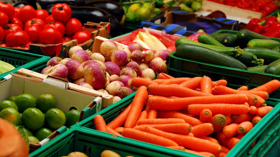Benefits of Eating Local & Fruit Tasting (Media)